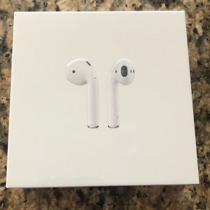 NEW: Apple AirPods w/ Charging Case Wired